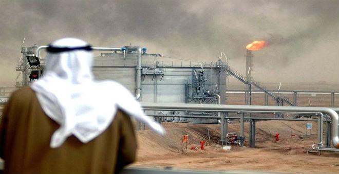أمام تراجع أسعار النفط وعجز الميزانية..السعودية تضطر لشد الحزام