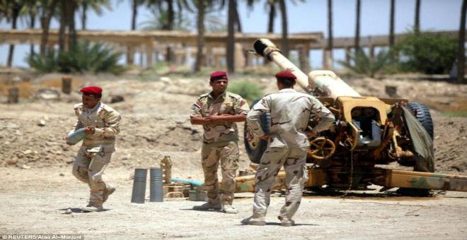 ضربات التحالف الأمريكي توقع 10 جنود عراقيين