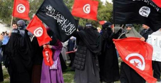 وزيرة تونسية: 700 امرأة تونسية التحقن بالجماعات المتطرفة في سوريا