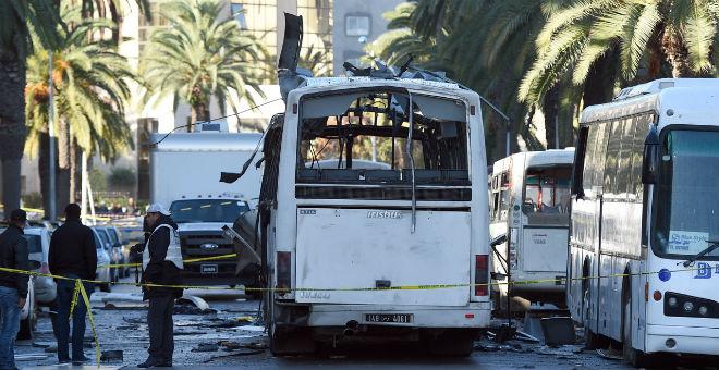 هل كان الأمن التونسي على علم باستهداف حافلة الحرس الرئاسي؟