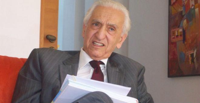 وفاة حسين آيت أحمد ..مؤسس أول حزب معارض في الجزائر