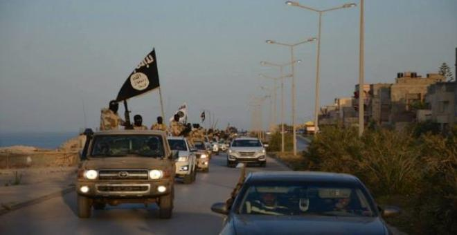 لو فيغارو: التدخل العسكري الفرنسي في ليبيا مسألة وقت لا أكثر !!