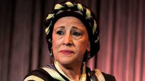 زينب سمايكي. فنانة مغربية