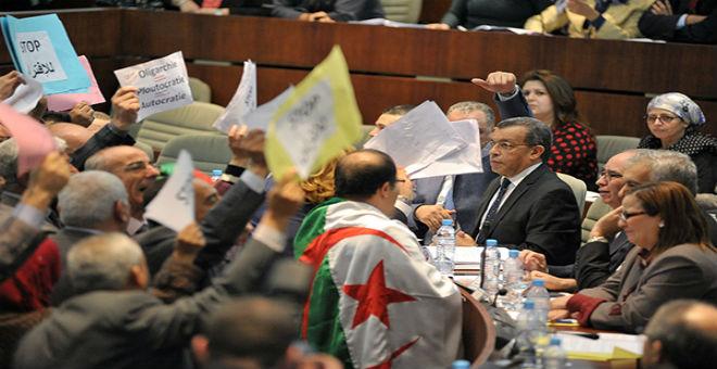 في مشهد برلماني نادر..المعارضة الجزائرية تثور على قانون المالية