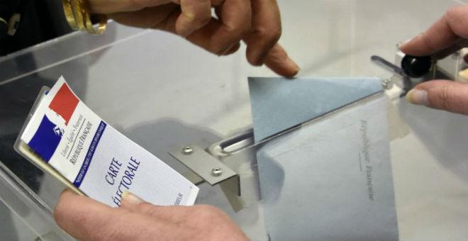 التوتر السياسي يخيم على الجولة الثانية من الانتخابات الجهوية الفرنسية
