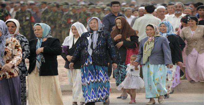 الصين تطرد صحفية فرنسية لانتقادها اضطهاد مسلمي الإيغور