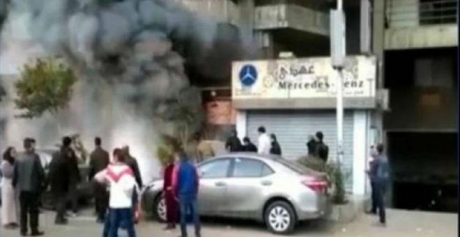 قتلى في هجوم بقنبلة حارقة على ملهى ليلي بالقاهرة