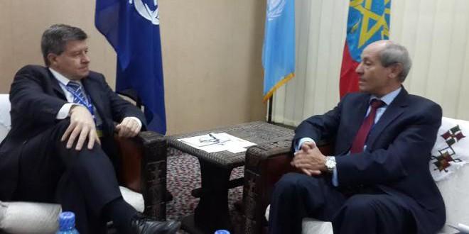 السيد غاي رايدر المدير  العام لمكتب العمل الدولي خلال استقباله لعبد السلام الصديقي، وزير التشغيل و الشؤون الاجتماعية.