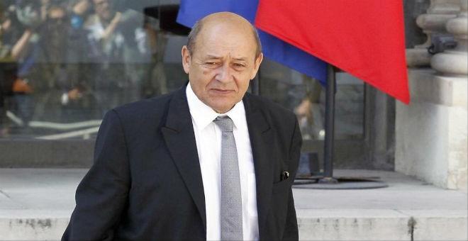 وزير الدفاع الفرنسي: داعش يحاول وضع يده على آبار النفط الليبية