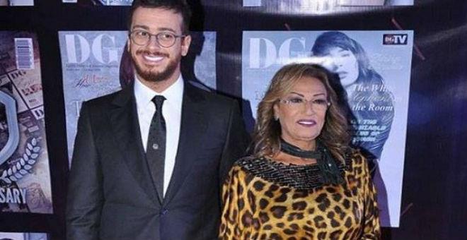 """المعلم رفقة والدته في حفل """"دير جست"""" بالقاهرة"""