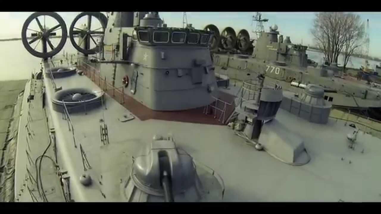 بالفيديو.. سفينة الإنزال الروسية البرمائية