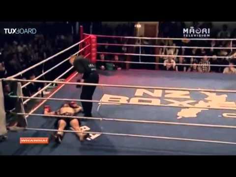 فيديو: ملاكم يفقد صوابه بعد تلقيه ضربة قاضية