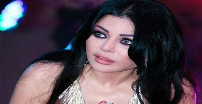 هيفاء وهبي مع الرئيس اللبناني ميشال عون بعد حادثة سقوطه
