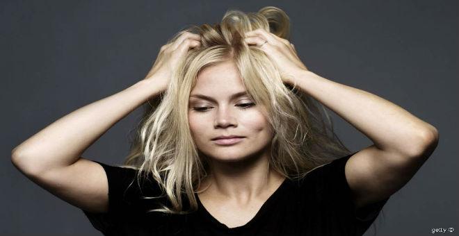تعلمي 10 حيل لجعل شعرك يبدو أكثر كثافة!!