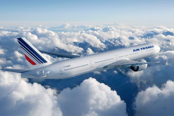 بسبب تهديد مجهول.. طائرة فرنسية متجهة إلى باريس تهبط في مونتريال