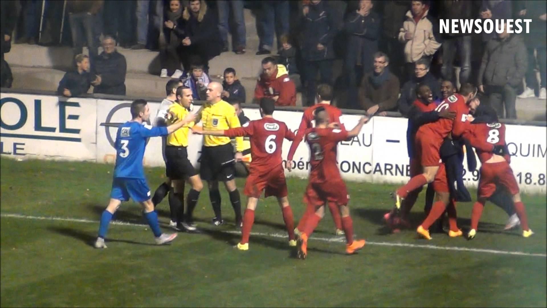 عراك بين لاعبين بسبب هدف مستفز