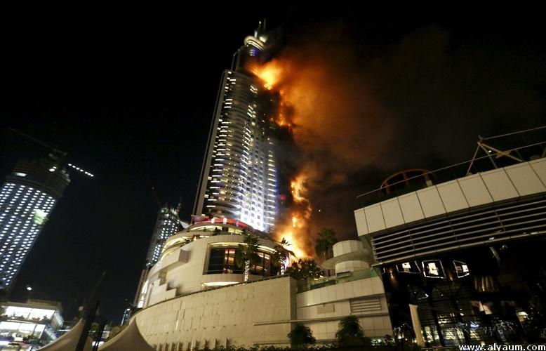 بالفيديو. حريق مهول في أحد فنادق دبي لحظات قبل انطلاق الاحتفالات