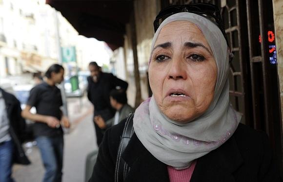 """الشرطية التي """"صفعت"""" البوعزيزي: ألوم نفسي.. الموت في كل مكان بسببي!"""
