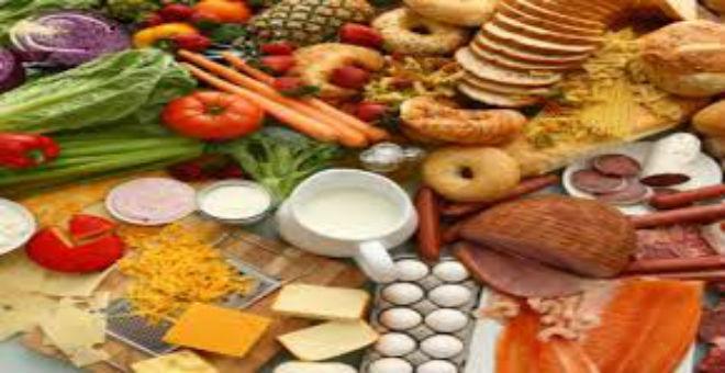 خمسة أغذية تساعد على زيادة النشاط والتركيز أثناء العمل