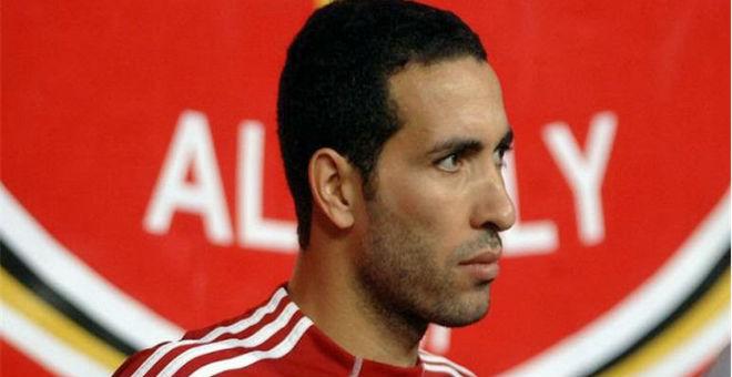أبو تريكة في الجزائر للمشاركة في حفل الكرة الذهبية