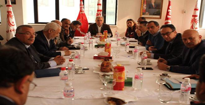 أحزاب التحالف الحكومي بتونس تجتمع لمناقشة أزمة البلاد
