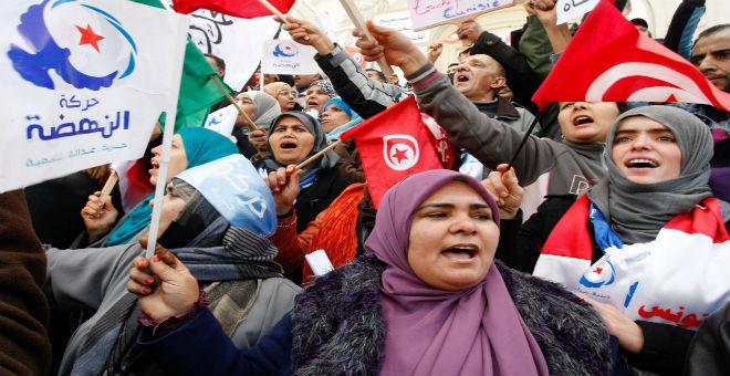 """أنصار حركة """"النهضة"""" الإسلامية في تونس"""