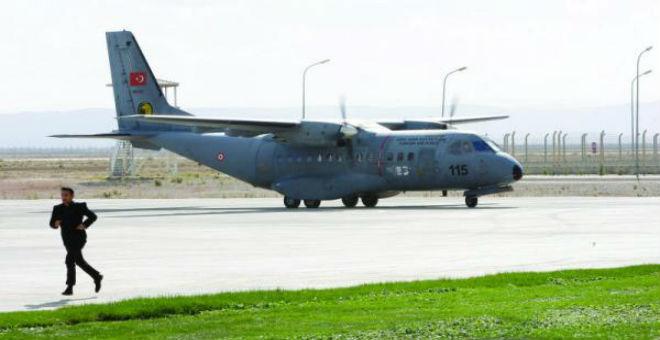 تركيا تستنفر قواعدها العسكرية تحسبا لأي اختراق لمجالها الجوي