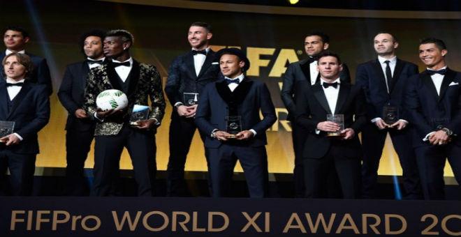 الفيفا يختار التشكيلة المثالية لعام 2015