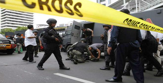 مقتل جزائري وإصابة آخر في هجوم