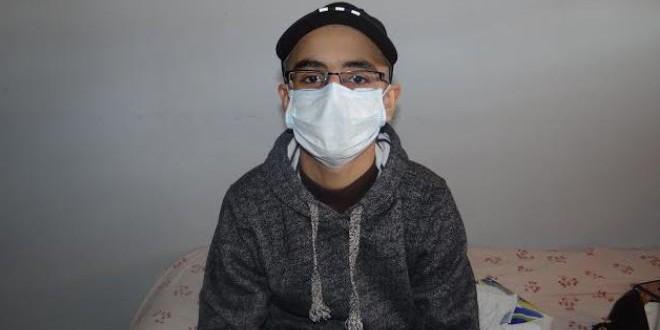 الطفل المغربي زكريا التلمودي الذي يتعافى من السرطان