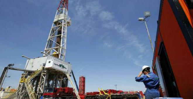 بسبب تراجع أسعار النفط..الجزائر توقف التنقيب عن الغاز الصخري