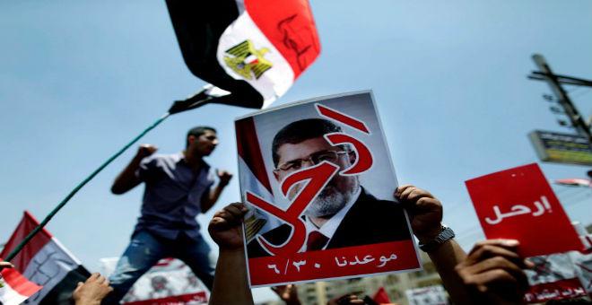 معارضو الرئيس المصري محمد مرسي قبل عزله في يوليوز 2013