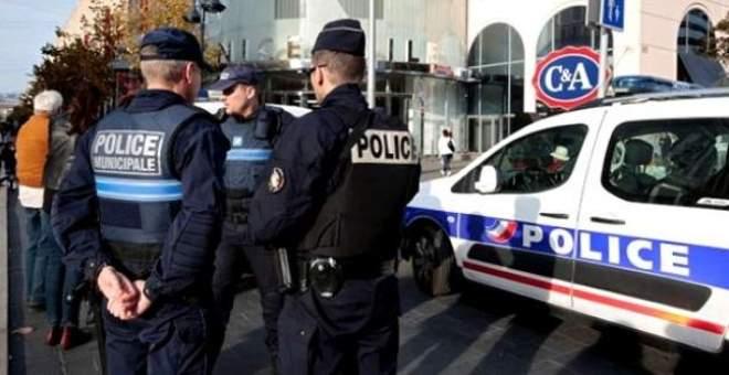 متظاهرون بالآلاف يطالبون بإنهاء حالة الطوارئ في فرنسا