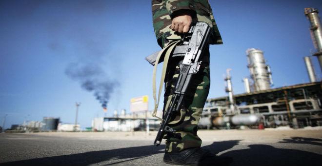 اتهامات لحرس المنشآن النفطية بكونها عقبة أمام استغلال النفط الليبي