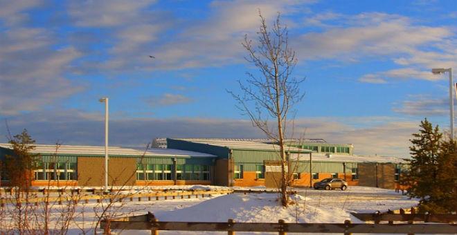عاجل.. إطلاق نار بمدرسة ثانوية وسط كندا