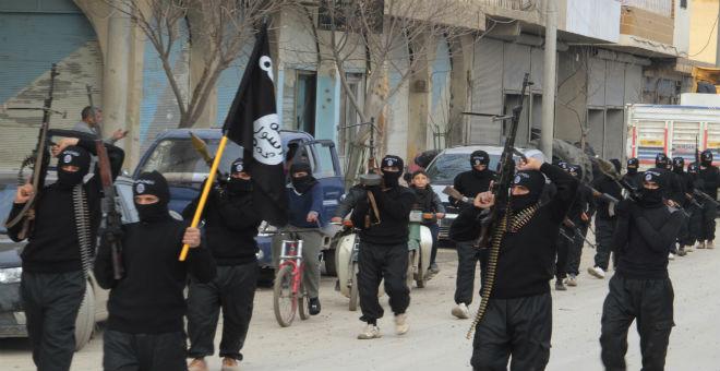 أزيد من 700 ضحية بين قتيل ومختطف بدير الزور على يد