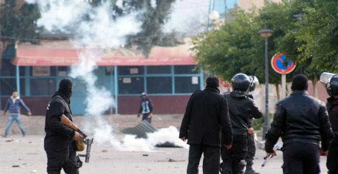 عودة الاحتجاجات إلى تونس دليل على هشاشة الفترة الانتقالية