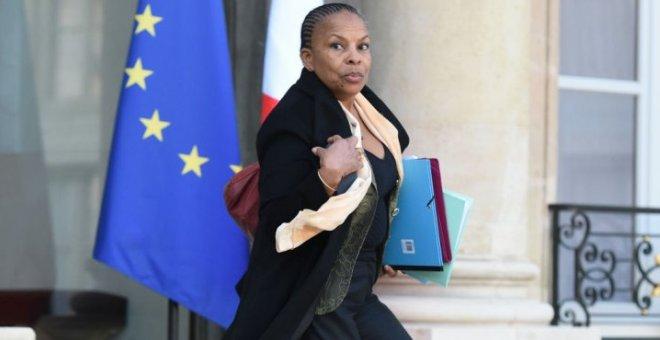 وزيرة العدل الفرنسية تستقيل اعتراضا  على إسقاط الجنسية
