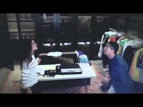 بالفيديو..  رونالدو يلعب مع عارضة أزياء برازيليّة
