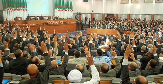وضع المعارضة الجزائرية ومساراتها المحتملة