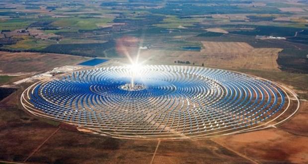 خبراء يضعون مشروع الطاقة الشمسية