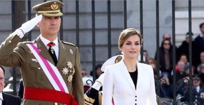 ملك إسپانيا تجنب الأزمة ووزير الدفاع مع الوحدة والدستور