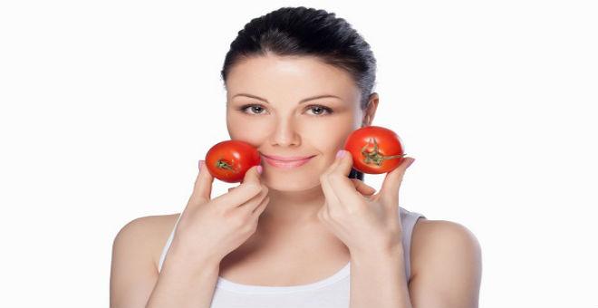 دليلك لأهم أقنعة الطماطم.. جربيها لبشرة نظيفة
