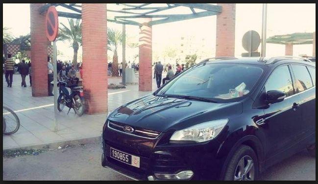 بالفيديو. مواطن يمنع مستشارا من استعمال سيارة جماعية خارج وقت العمل!