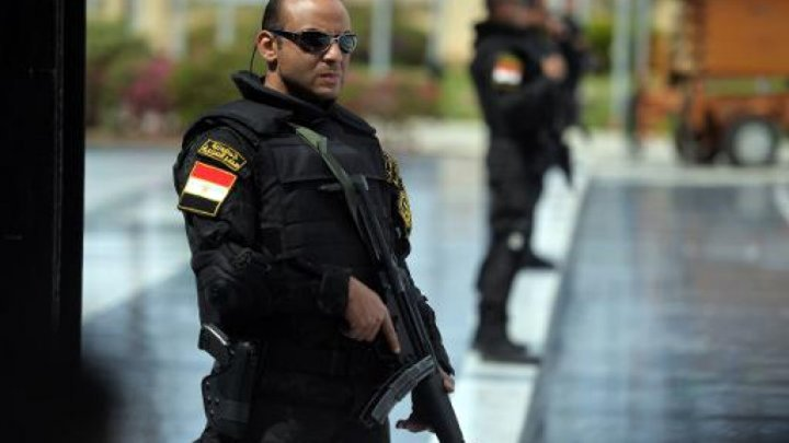مصر: مسلحون يطلقون النار على حافلة للسياح بالجيزة
