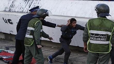 أعمال العنف عقب مباراة حسنية أكادير والرجاء تخلف إصابات خطيرة