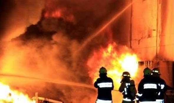 عاجل..حريق مهول بشركات الحي الصناعي للبيضاء ومحاولات لإخماده