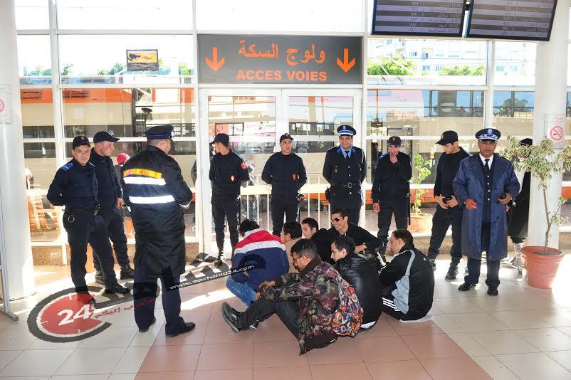 المعطلون المكفوفون يعتصمون بمحطة القطار والسلطات تتدخل