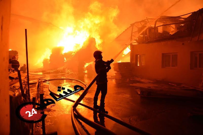 بالصور. فاجعة.. النيران تلتهم مصانع الحي الصناعي بالبيضاء