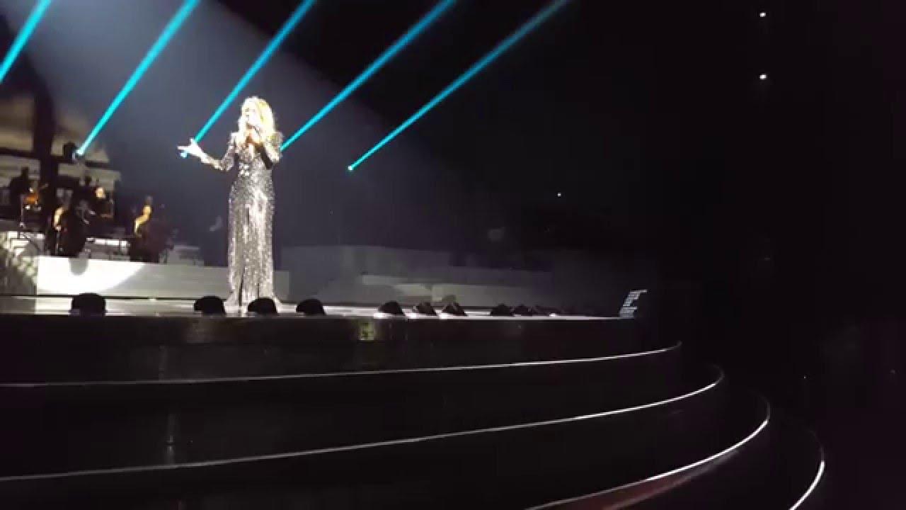 بالفيديو: سيلين ديون تغني